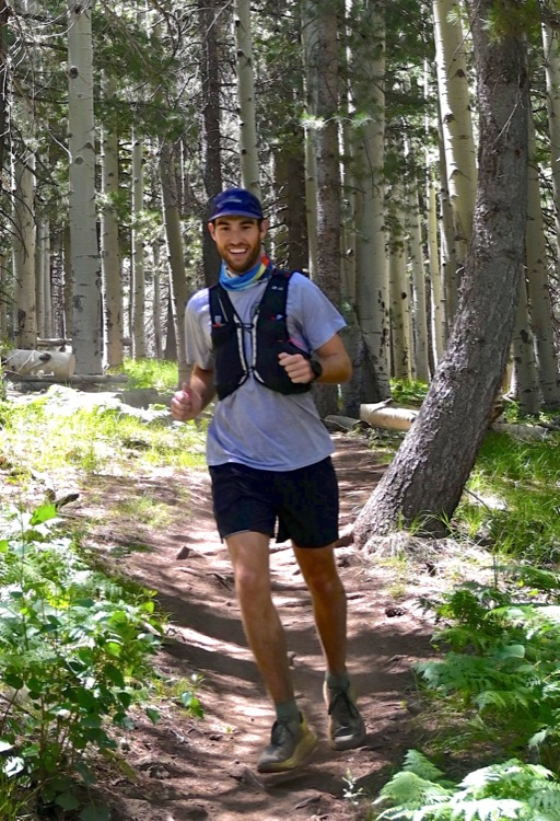 Jeff Thompson completes his first ultra photo by Peter Mortimer 750 NOTICIAS 50K