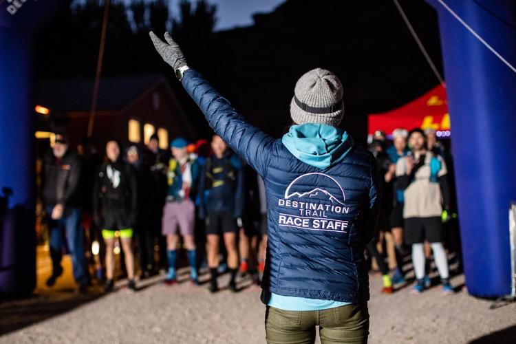 Race Directing Moab 240 by Hilary Ann 750 Tahoe Rim Trail FKT sin soporte de Candice Burt
