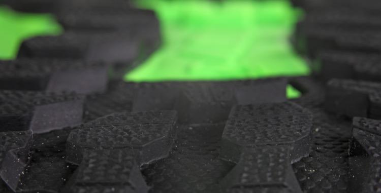 dimples on graphene lugs 750 Inov-8 Terraultra G270 - Revista ultrarunning
