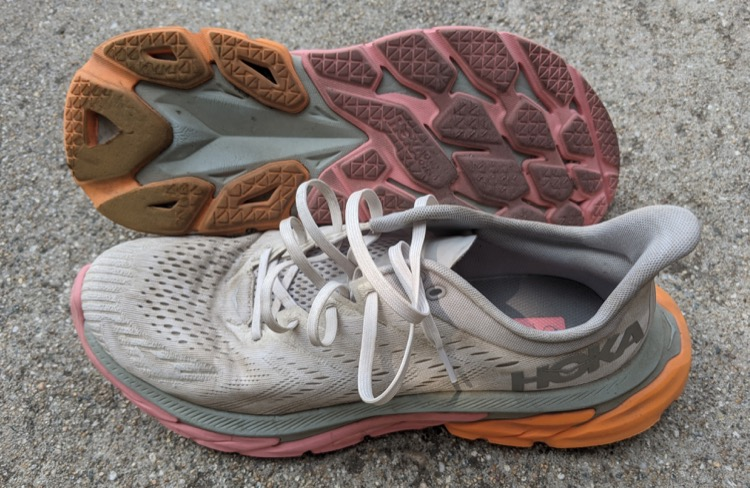 signs of outsole wear after about 100 miles 750 Zapatillas para correr HOKA ONE ONE Clifton Edge