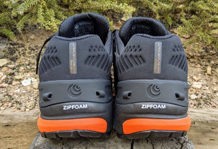 TPU heel counter with gaiter attachments 750 Primer vistazo: zapatillas de trail Topo Ultraventure Pro