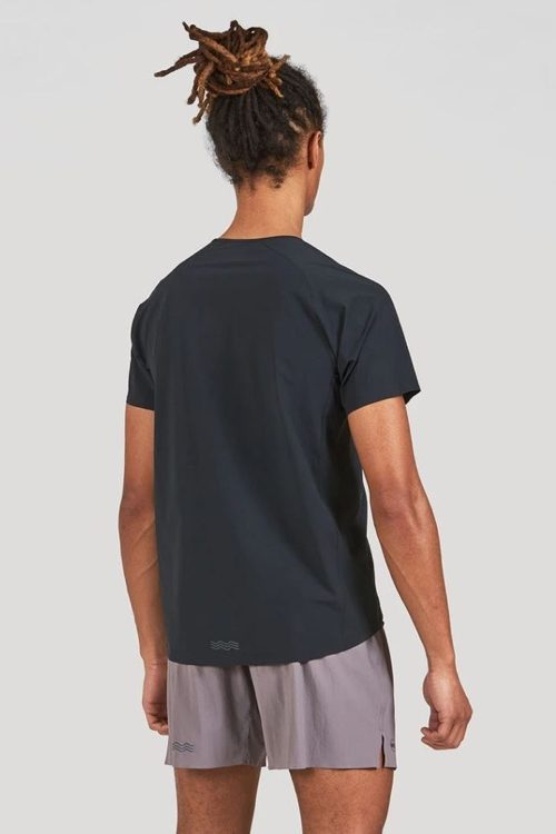 drop hem with reflective accent in back 750 e1622666457371 Janji AFO Apparel Review - Revista Ultrarunning